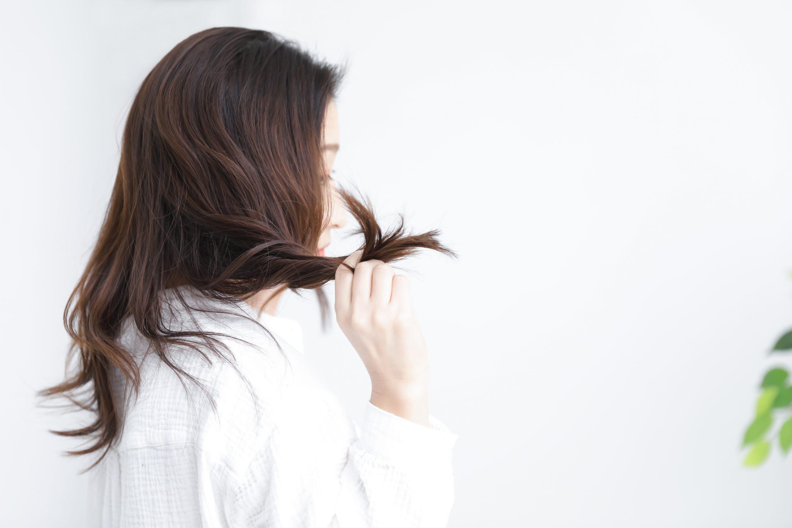 髪の「うねり」の正体